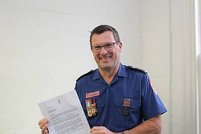 Paramedic hero recognised | The Star
